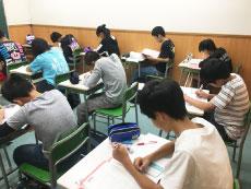 中2生 勉強の風景